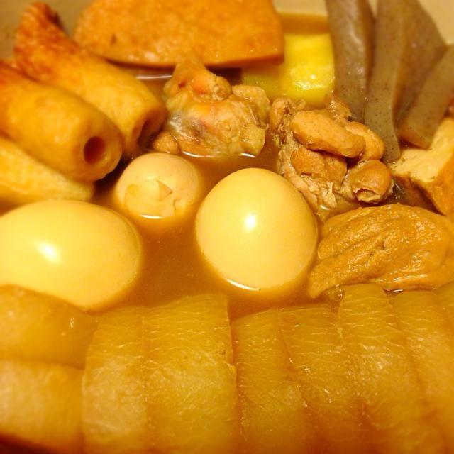 牛スジ肉を入れず、手羽元とホタテを入れてあっさり味に煮込んだおでん。いただきます。 - 14件のもぐもぐ - 今日の晩御飯 by yujimrmt