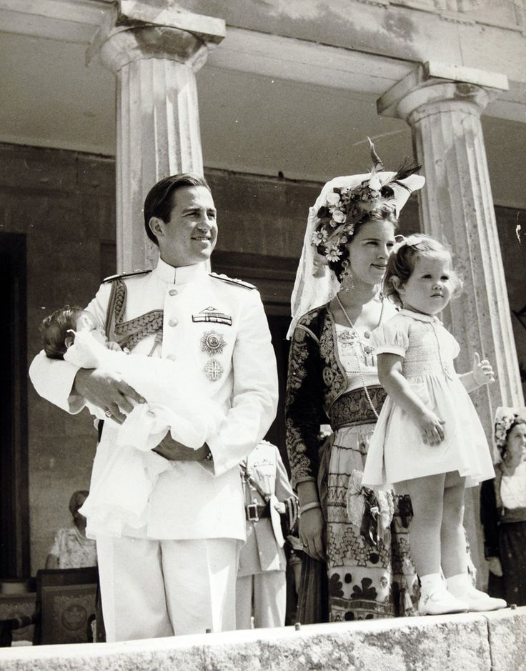 salamandra75: King Constantine holding newborn Crown Prince Pavlos, Queen Anne-Marie and Princess Alexia, 1967