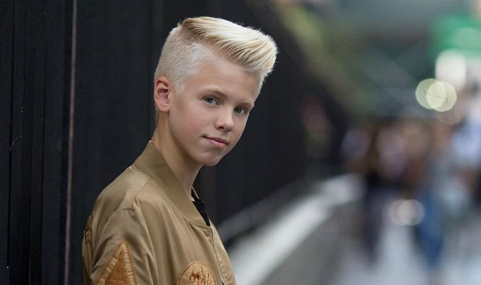 Carson Lueders, an American singer and internet star. Check out Carson Lueders biography, height, weight, age, girlfriend, family, net worth and facts.