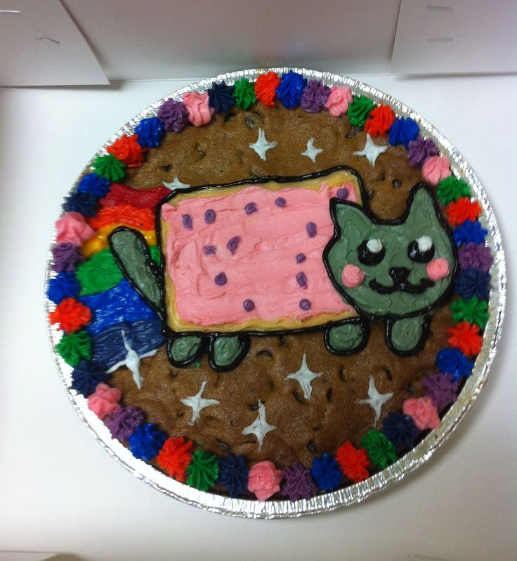Nyan Cat Cookie Cake #chocolatechip #nyancat #nyan #rainbow #cookiecake #nestletollhousecafe