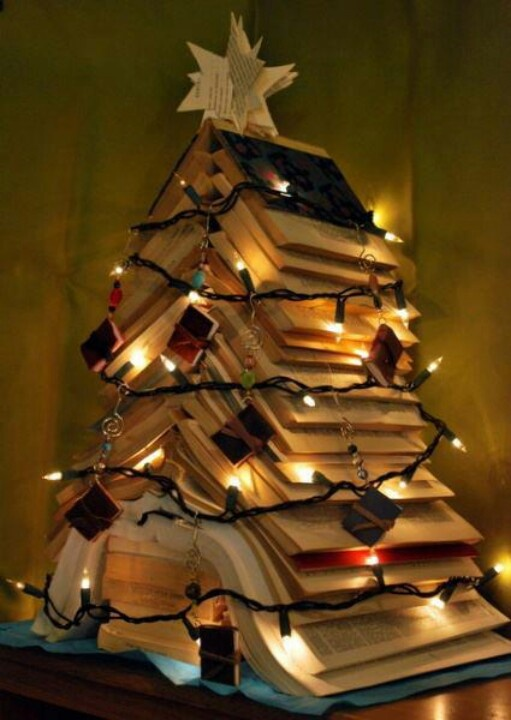 Text Book Tree This Would Be Perfect For Erin In Her New Apartment For Her  Christmas Tree, Since She Loves Books!