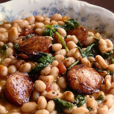 White Beans with Spinach & Sausage @keyingredient #chicken #tomatoes