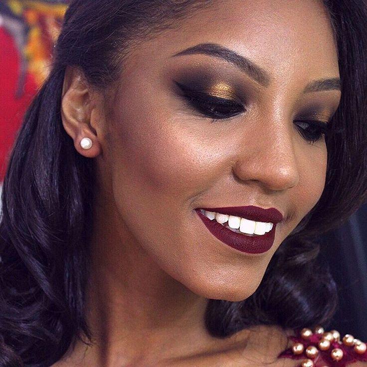 #makeup #maquiagem #mua #artist #gold #golden #dourado #ouro #smokey #eyes #esfumado #negra #beleza #darkskin #black #cocoa #batom #lipstick #vinho #wine #red #ricosti #bordo #inspiration #inspiracao