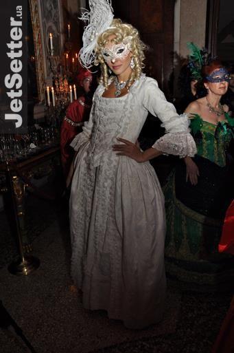 Костюм на венецианский карнавал в киеве напрокат