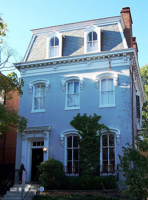 A little dark, but a nice Washington DC townhouse (Georgetown neighborhood)