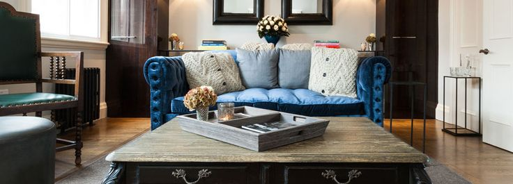 The Urban Retreat Apartments - Apt. C - Living room