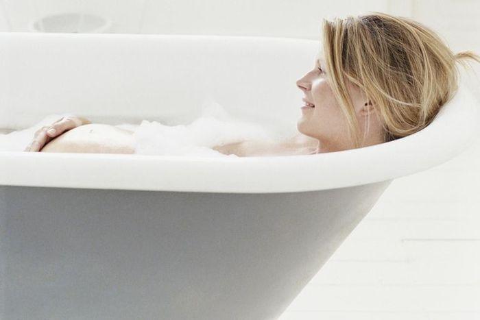 Можно ли принимать ванну во время беременности? Советы по безопасности