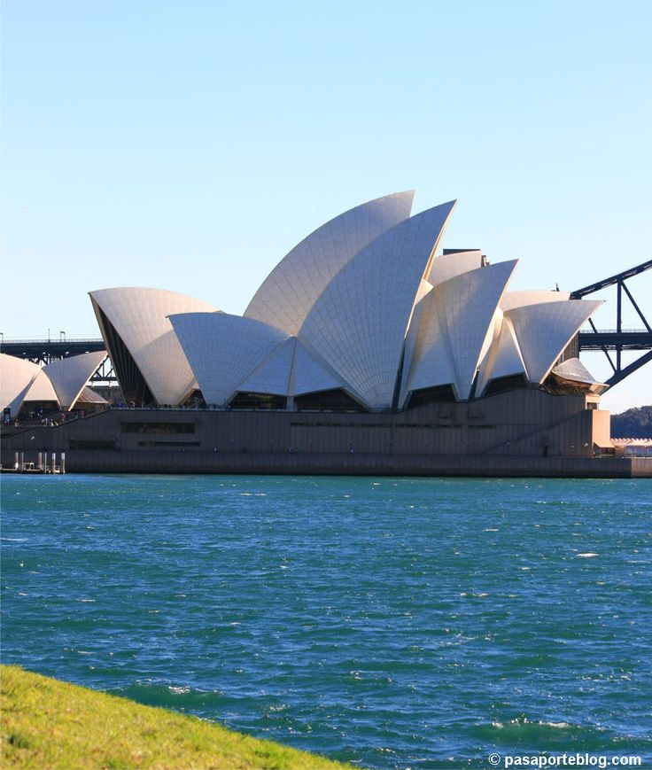 """Sidney Opera House"" Australia. ... cheap hotels in #Sidney #Australia http://holipal.com/hotels/"