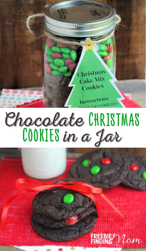 Chocolate Christmas Cookies In A Jar - If you need a great DIY gift idea that is perfect for friends, teachers, mail people, family or just about anyone who would appreciate a thoughtful homemade gift, consider giving this Mason jar recipe for melt-in-your mouth chocolate Christmas cookies. They are super simple to make and the gift recipient only needs to add two ingredients: oil and eggs.