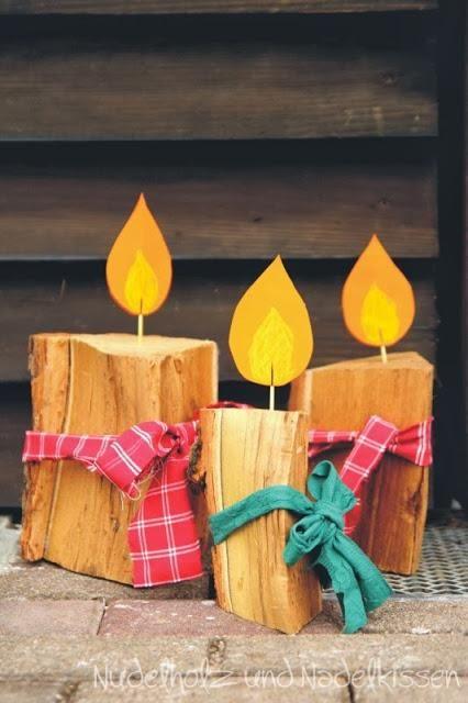 Winter/Weihnachten/Advent - Holzkerzen - ein paar Scheite Holz, Schaschlikspieße und Karton in Orange