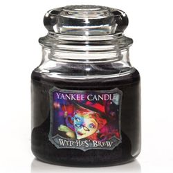 Yankee Candle Halloween Housewarmer Jar (Witches Brew). Smells of patchouli, pine & warming spices.