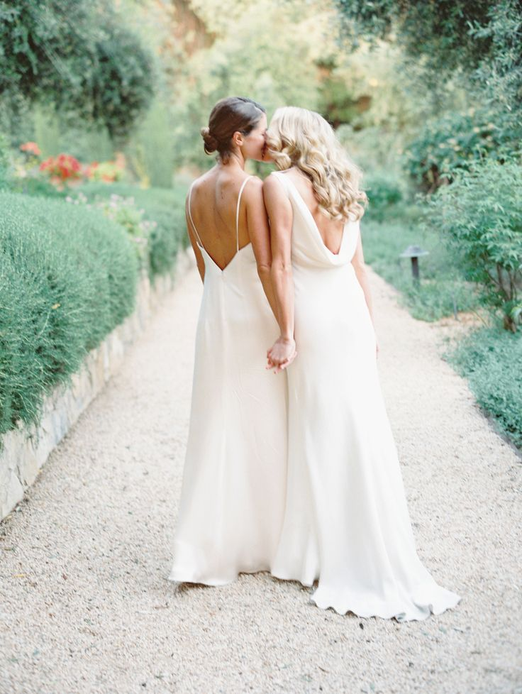 Photography: Lavender & Twine - www.lavenderandtwine.com/   Read More on SMP: http://www.stylemepretty.com/2016/11/22/natural-and-organic-same-sex-ojai-wedding/