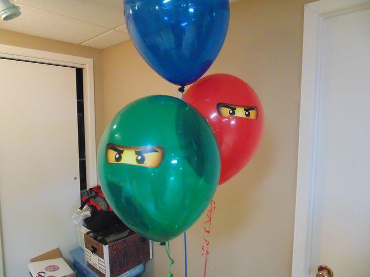 Puisque je ne trouvais pas de ballons sur ce thème, encore là, j'ai fait imprimer les yeux sur une feuille autocollante. à peu de frais lego spy party