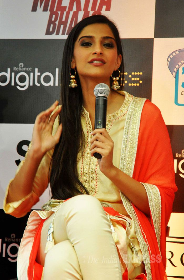Sonam Kapoor, who reportedly charged Rakeysh Omprakash Mehra a meagre Rs. 11 for her role in 'Bhaag Milkha Bhaag', says a few words. (Photo: Varinder Chawla)