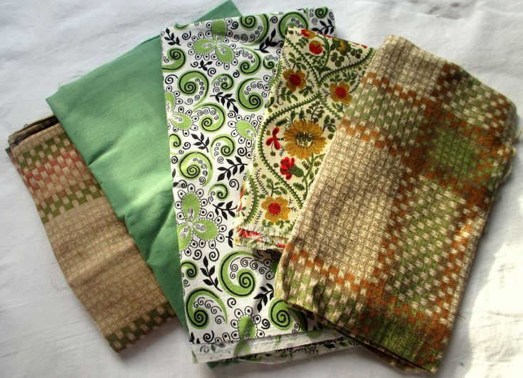 Vintage Fabric, 1940's Fabrics, 1950's Fabrics, 1940's Cottons, 1950's Cottons, Pale Green Vintage Fabric, Green and Black Vintage Fabric by MyGrandmothersHouse on Etsy