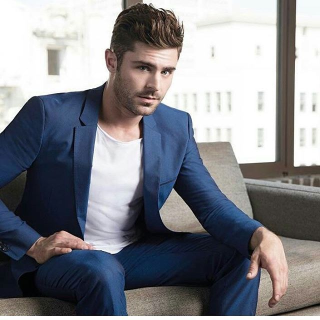 1456 best Zac Efron images on Pinterest   Low hair buns ...