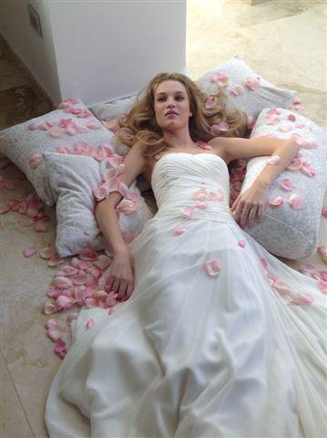 Pura eleganza #elegance #weddingdress #style #vogue #sposa #abitidasposa #fashion #bridalfashion