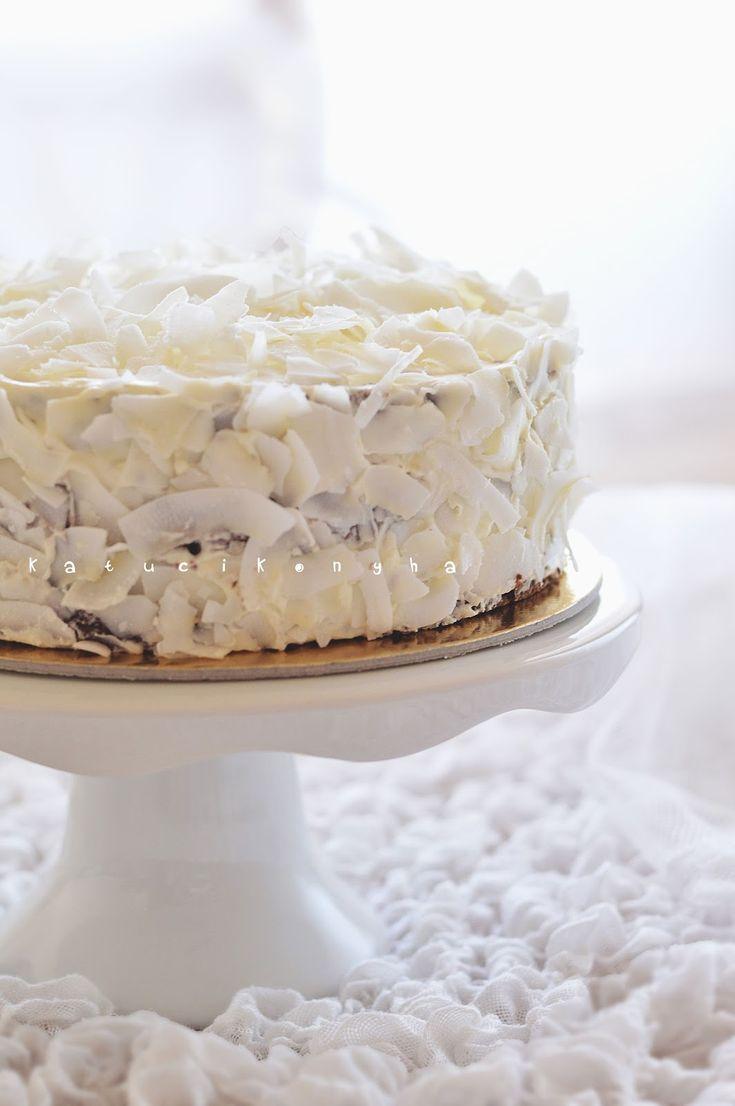 coconut cake - http://www.katucikonyha.hu/2014/08/gasztropalyafutasom-legnagyobb-kihivasa.html