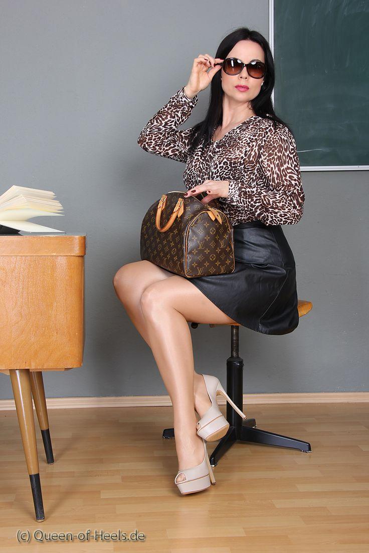 Heels, Extreme Heels, Heels Gina, High Heels Casadei, Gina Queen ...: https://www.pinterest.com/pin/341992165430776438