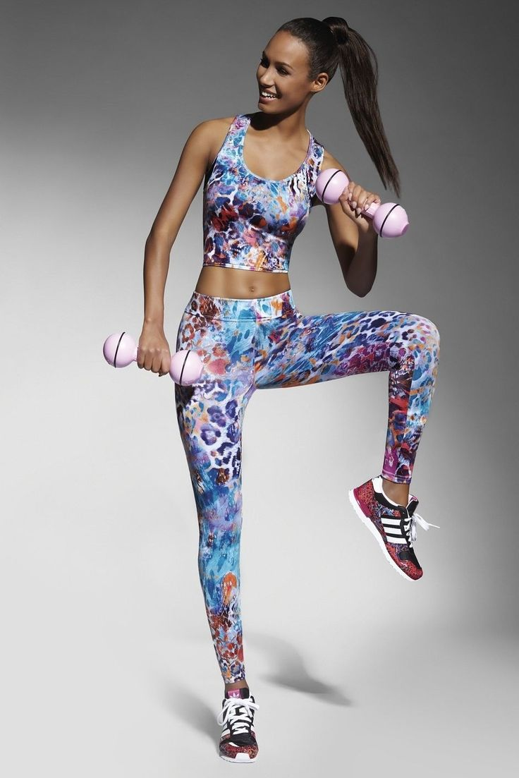With its crazy printed, breathable fabric and wide, elastic waistband fitted for maximum comfort, these cool, full lenght leggins are just what a fit, active lady needs to stay fashionable during her excersise routine. 200 DEN. Recommended with matching top, also available. Composition: polyester 85% elastane 15% Collection leggings Style Sport Sex Women's