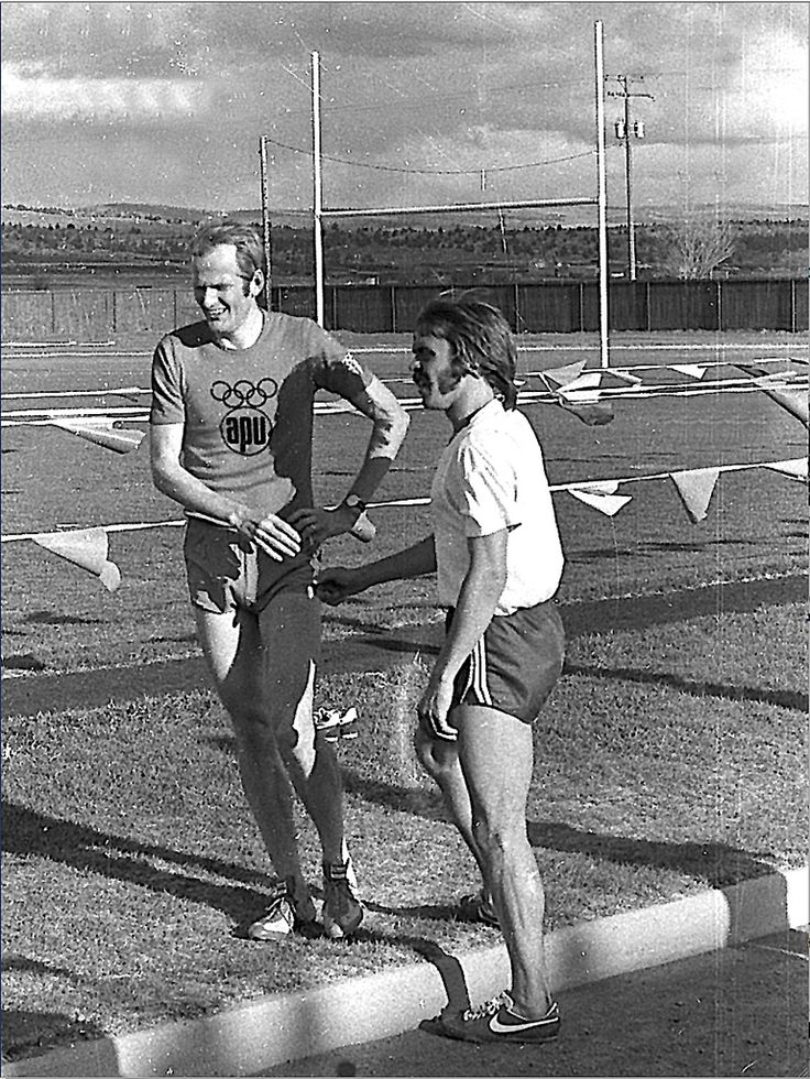 Race winner Steve Prefontaine with 2nd place finisher Finn… | Flickr