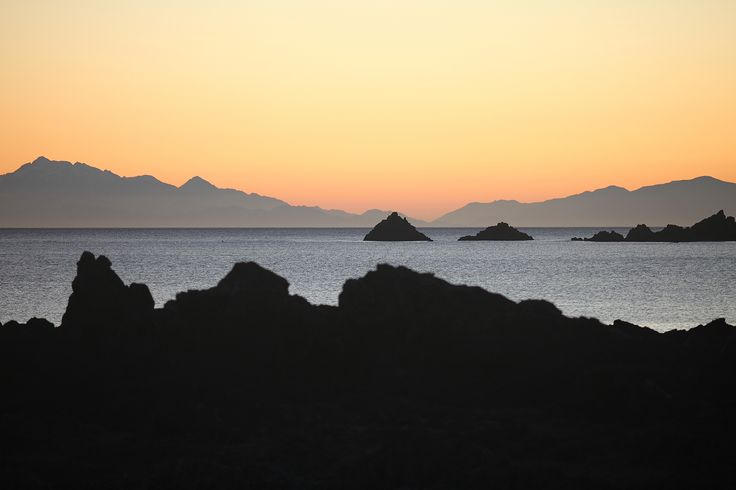 South coast, Wellington, New Zealand sunset - copyright www.belindabrownphotography.co.nz