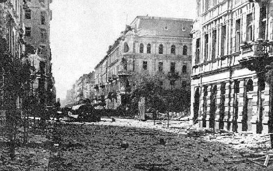 Aug. 24. In the city center of South-hour fighting continued in the area of telephone Street. Pius XI. Winning it was a big success insurgents.
