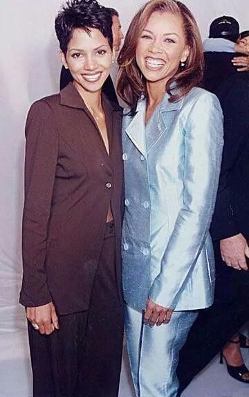 with Halle Berry from the late 90s via VK.com