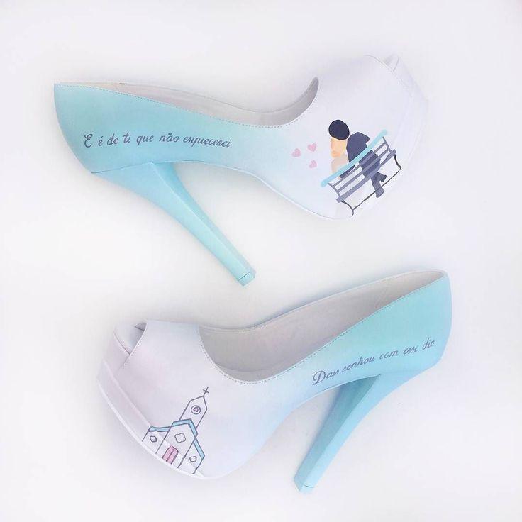 Quanta delicadeza gente! A noiva sonhou e o @studiolapupa fez o sapato dos sonhos pintado à mão cheio de referências e com um tom degradê maravilhoso. . Pede seu sapato dos sonhos e veja mais no Instagram @studiolapupa . Site da Lapupa  www.lapupa.com.br . Elas entregam em todo Brasil!