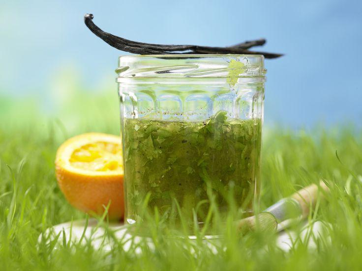 "Dieses duftende ""Aromabad"" bekommt Geflügelfleisch, Fisch und Scampi hervorragend!! Orangen-Marinade - mit Vanille - smarter - Kalorien: 55 Kcal - Zeit: 10 Min. | eatsmarter.de"