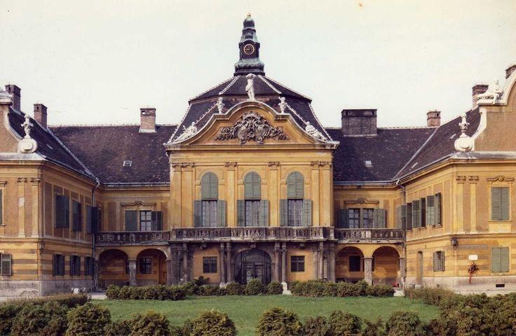 Nagytétényi Kastely (Nagytétényi Castle) | Budapest