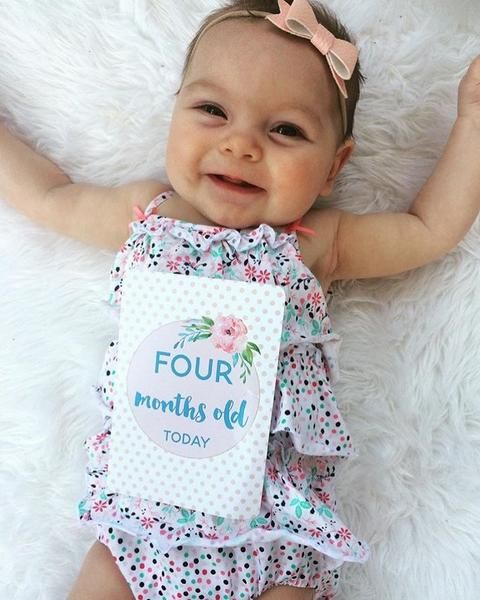 Watercolour floral baby milestone + moment cards, $29 - perfect addition to your little ones baby snaps #babyshowergift #newbaby #babyhospitalbag #newbornoutfit #babymilestonecards #babycards