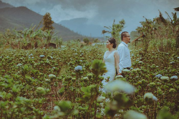 Bali destination bridal portraits. Photo by Apel Photography. www.theweddingnotebook.com