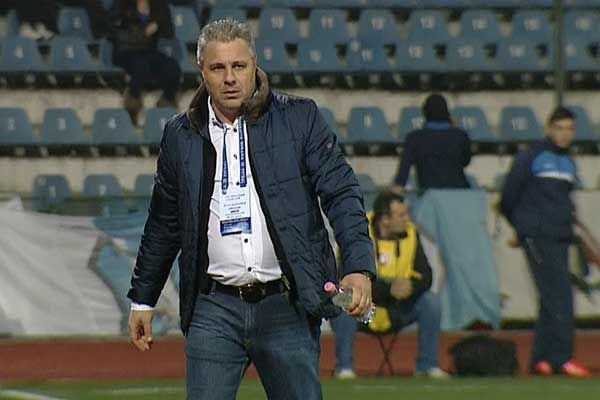 Denis Alibec, fotbalistul Astrei Giurgiu, a primit o suspendare de 3 etape, dupa ce a fost eliminat in meciul cu ASA Targu Mures, iar antrenorul sau, Marius Sumudica, a primit un avertisment, in ur...