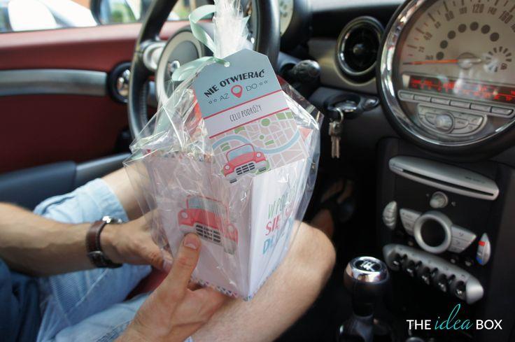 Pudełko na łakocie do samochodu. Pochodzi z wpisu o grach i zabawach do auta na naszym blogu. Zapraszamy!