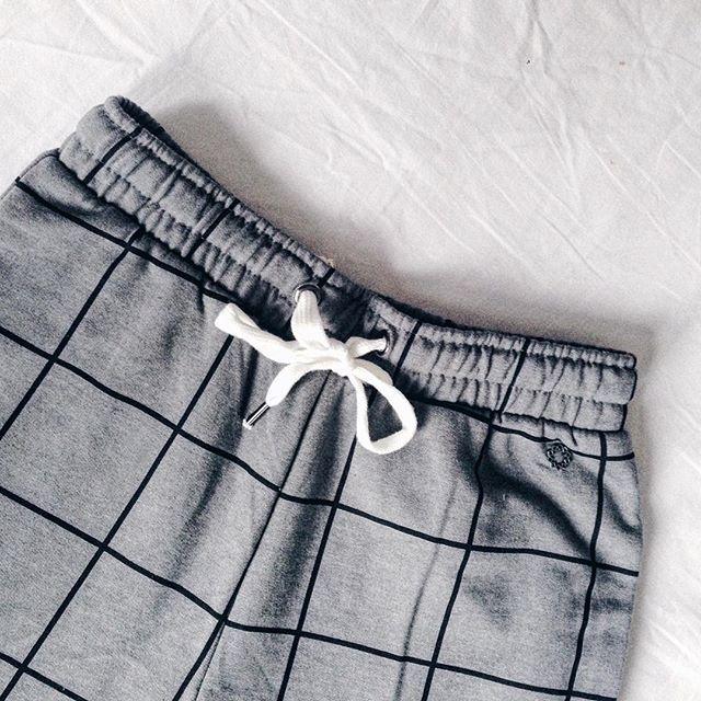Checked sweatpants