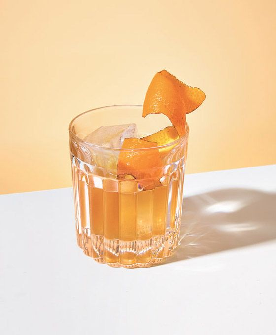 I recently discovered this article in the NY Times about cocktails and simplicity. Even though the article focuses more on the recipes, it was still super interesting to see that you don't need to ...