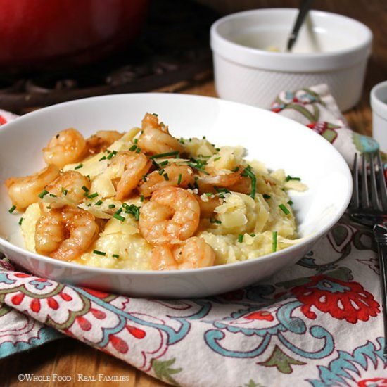 Lowcountry Shrimp and Grits is a southern classic. A simple to prepare dish - great for weekend company or weeknight dinner!