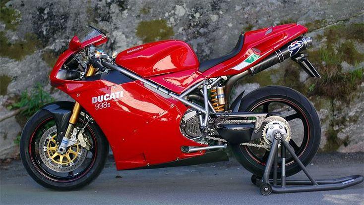 A very shiny 998s. (Ducati Tyrol)