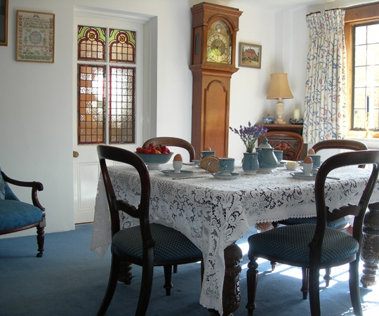 dining room at ivy cottage in purley on thames in european cultures