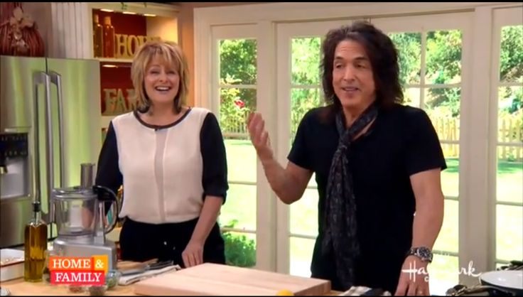 Paul Stanley Cooking!