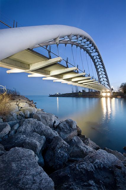 }{     Humber Bay Arch Bridge,Toronto, 1994, Montgomery Sisam Architects & Delcan Corp (bridge engineers)
