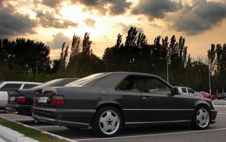 W124 Coupe WALD Designo Graphite Metallic & W124 Coupe AMG Blauschwarz Metall