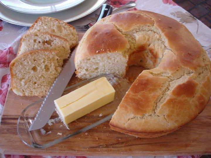 Sally Lunn Bread. A classic 18th century bread.
