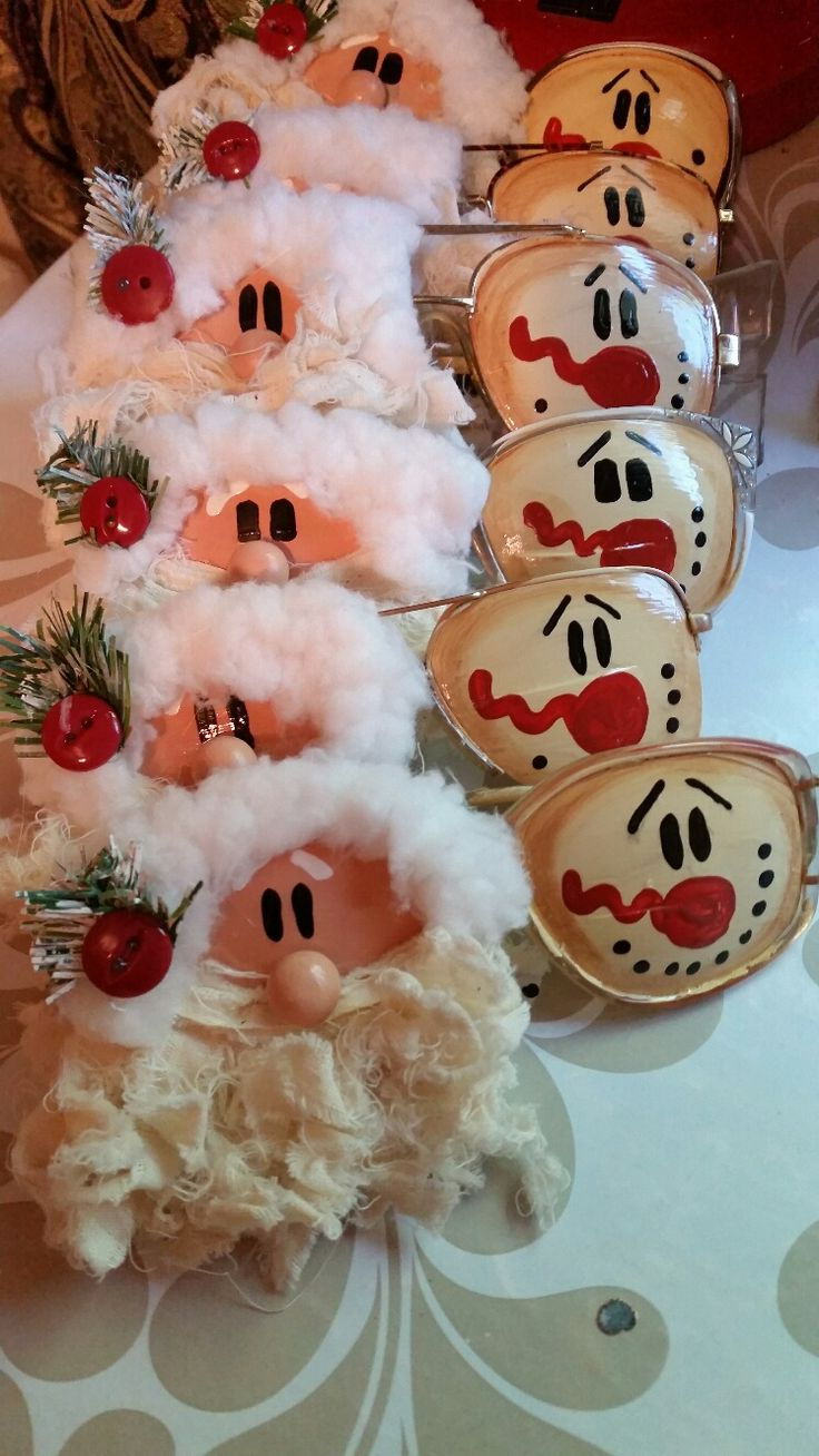 Trashy Treasures Old Glasses  Santa And Frosty Christmas Plateschristmas  Decorationschristmas Ornamentprimitive