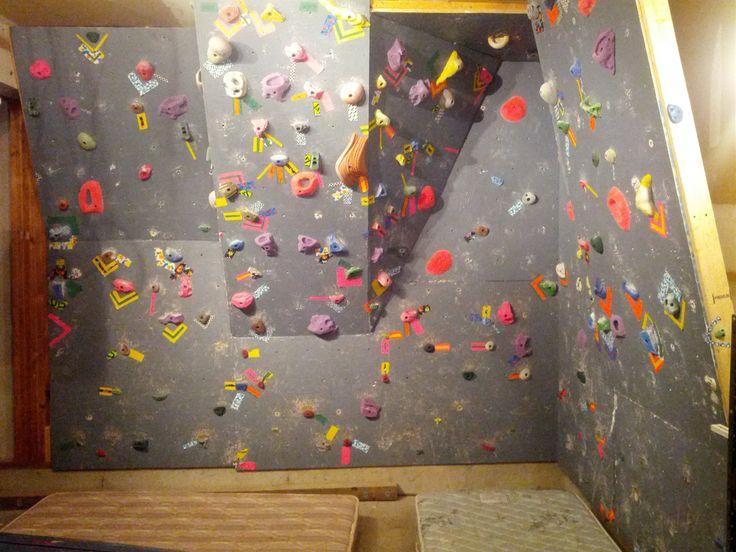 garage bouldering wall  J'ai même pas de garage ...