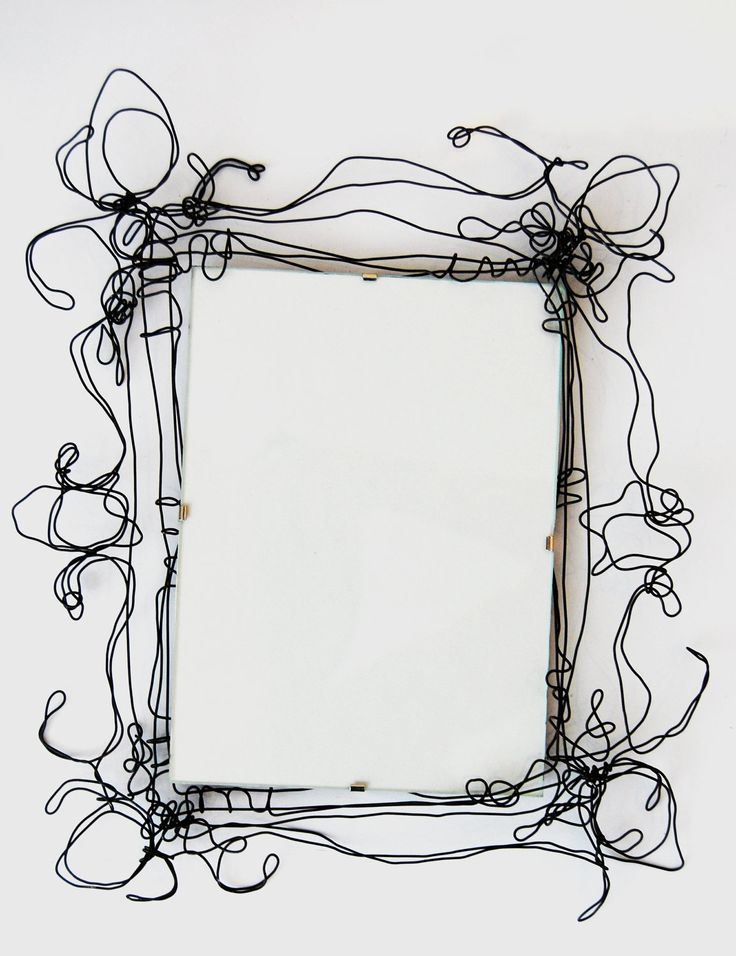 Wire Picture Frames. £12.00, via Etsy. Idea for style of frames to use in Daffodil