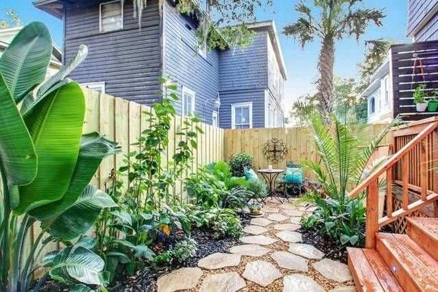Entire home/apt in Jacksonville, United States. This historic luxury home has been masterfully renovated and beautifully designed to create the ambiance of elegance and romantic charm. Right in the heart of the Urban Core. Walking distance from Springfield's best restaurant, Uptown Kitchen & be...