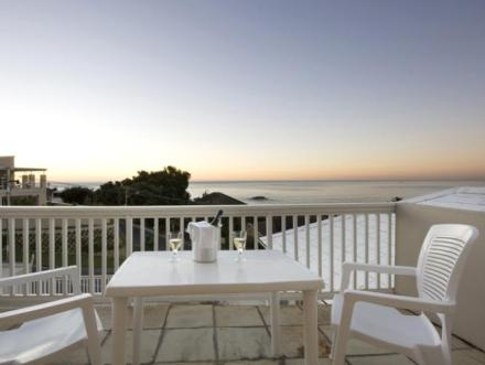 ... is close to Bakoven and CampsBay beaches with restaurants and shops.