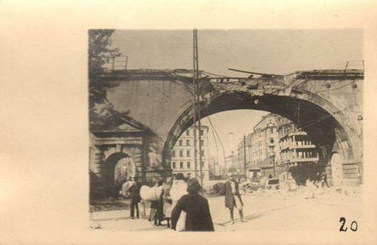 Wiadukt kolejowy nad ul. Solec, Warszawa - 1939 rok, stare zdjęcia
